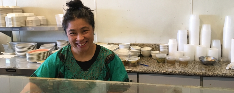 photo of employee at a filipino bakery